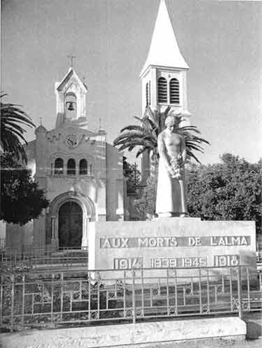 Alma Le Corso en Algérie (territoire français en 1930)